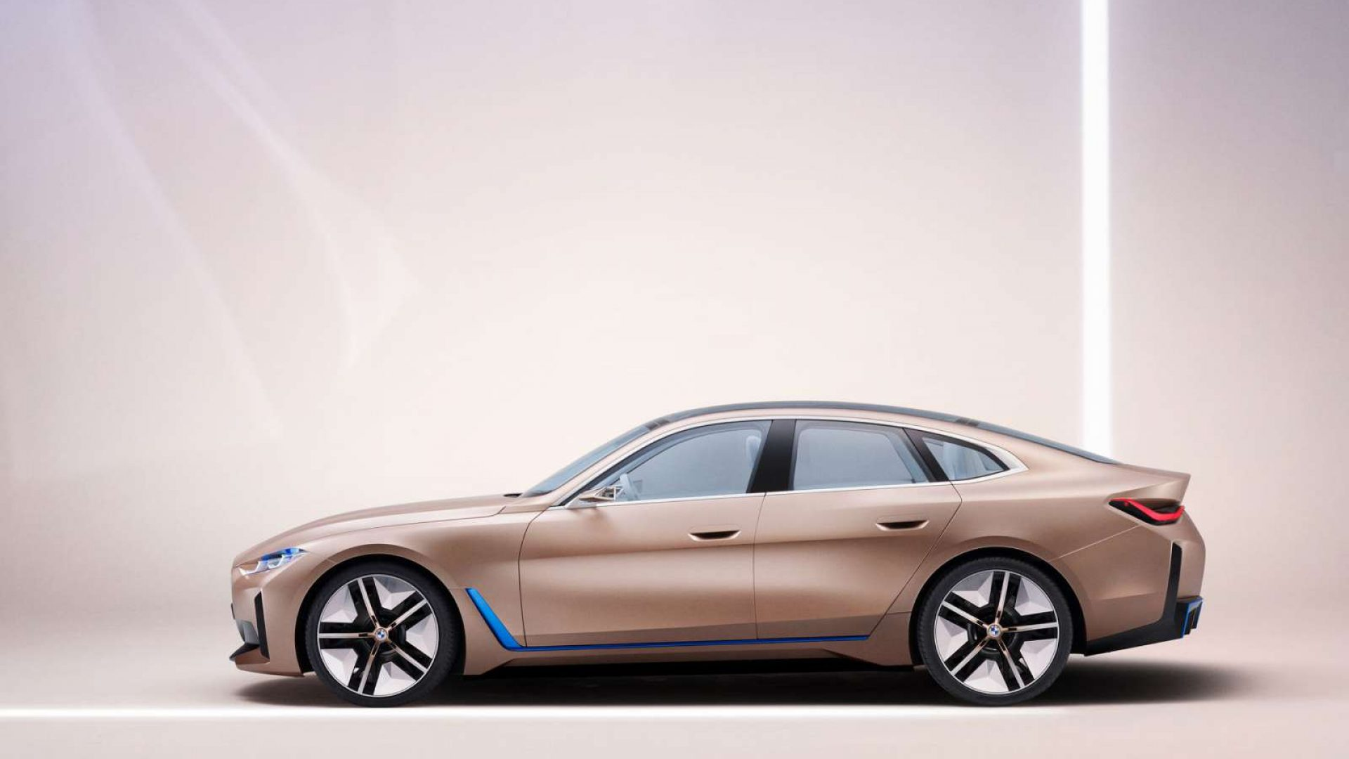 2020-BMW-Concept-i4-02
