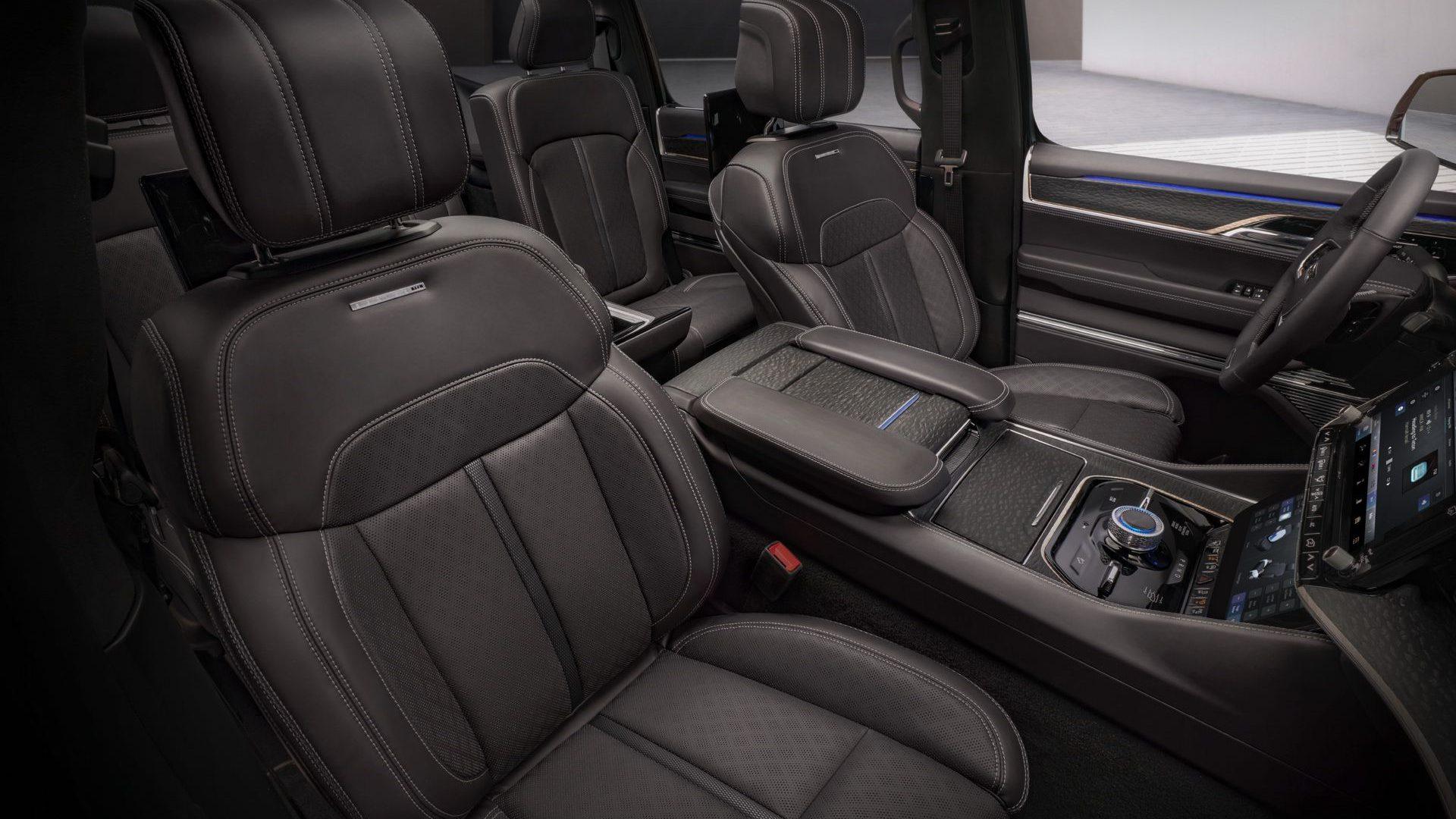 2020-Jeep-Grand-Wagoneer-Concept-Interior-04