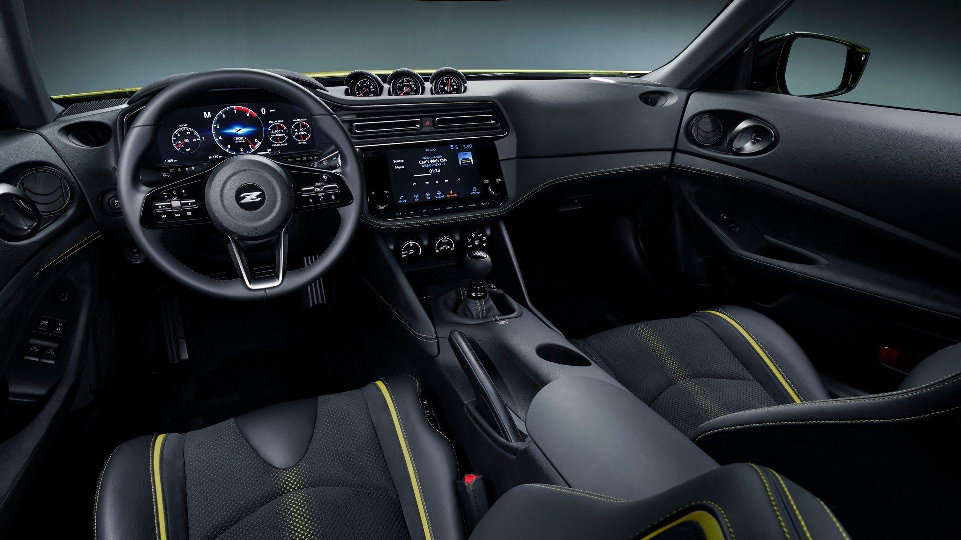 2020-Nissan-Z-Proto-Interior-01