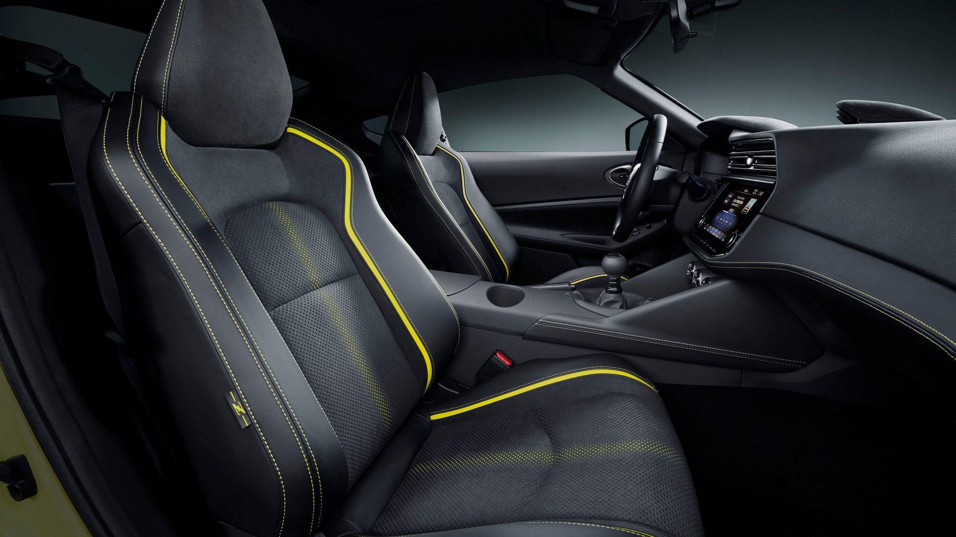 2020-Nissan-Z-Proto-Interior-03