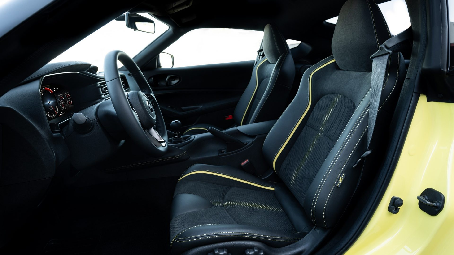 2020-Nissan-Z-Proto-Interior-04