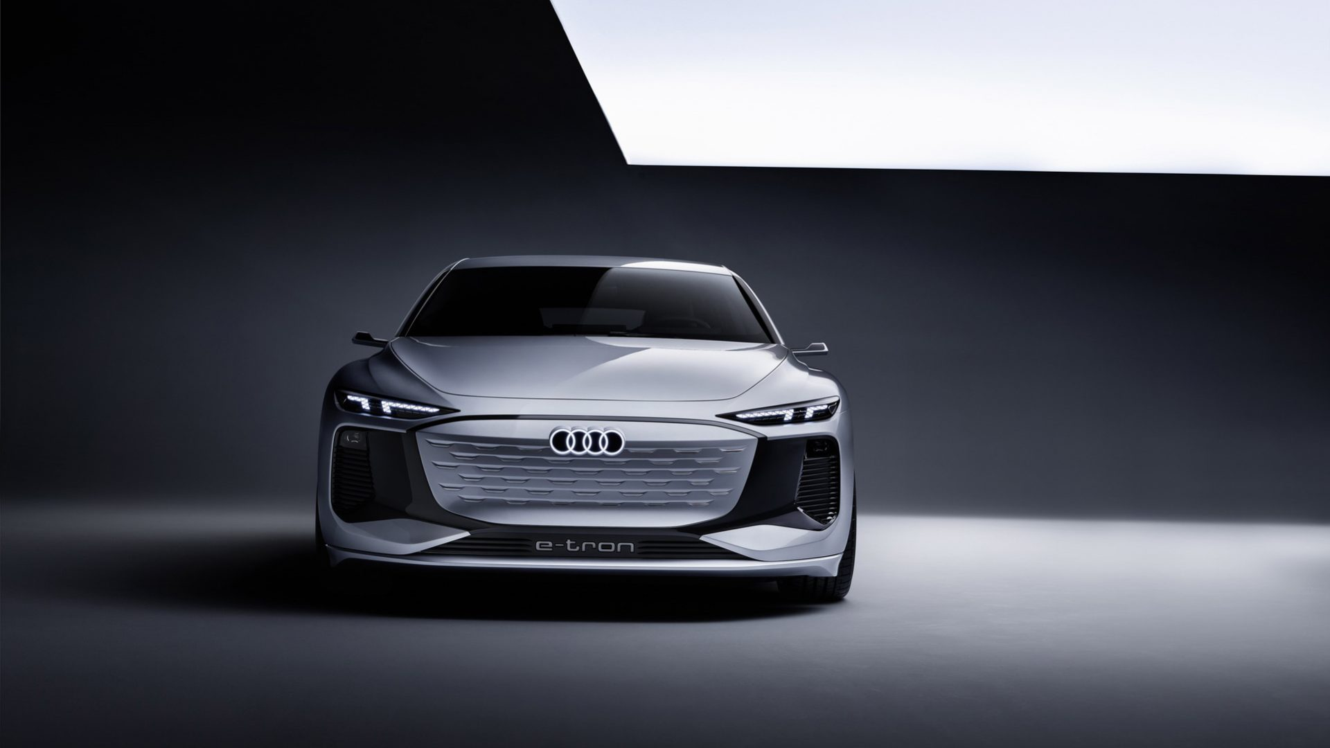 2021-Audi-A6-e-tron-Concept-06