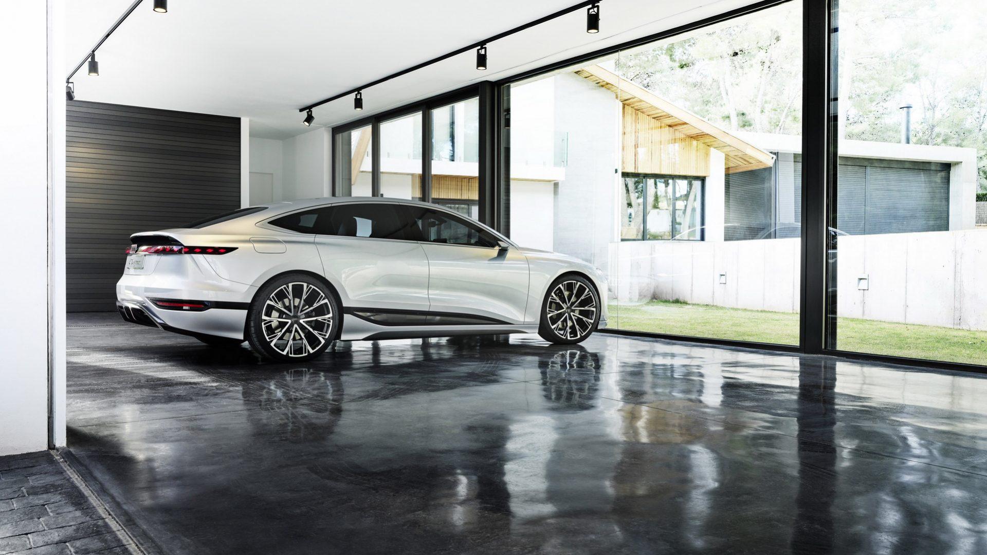 2021-Audi-A6-e-tron-Concept-36