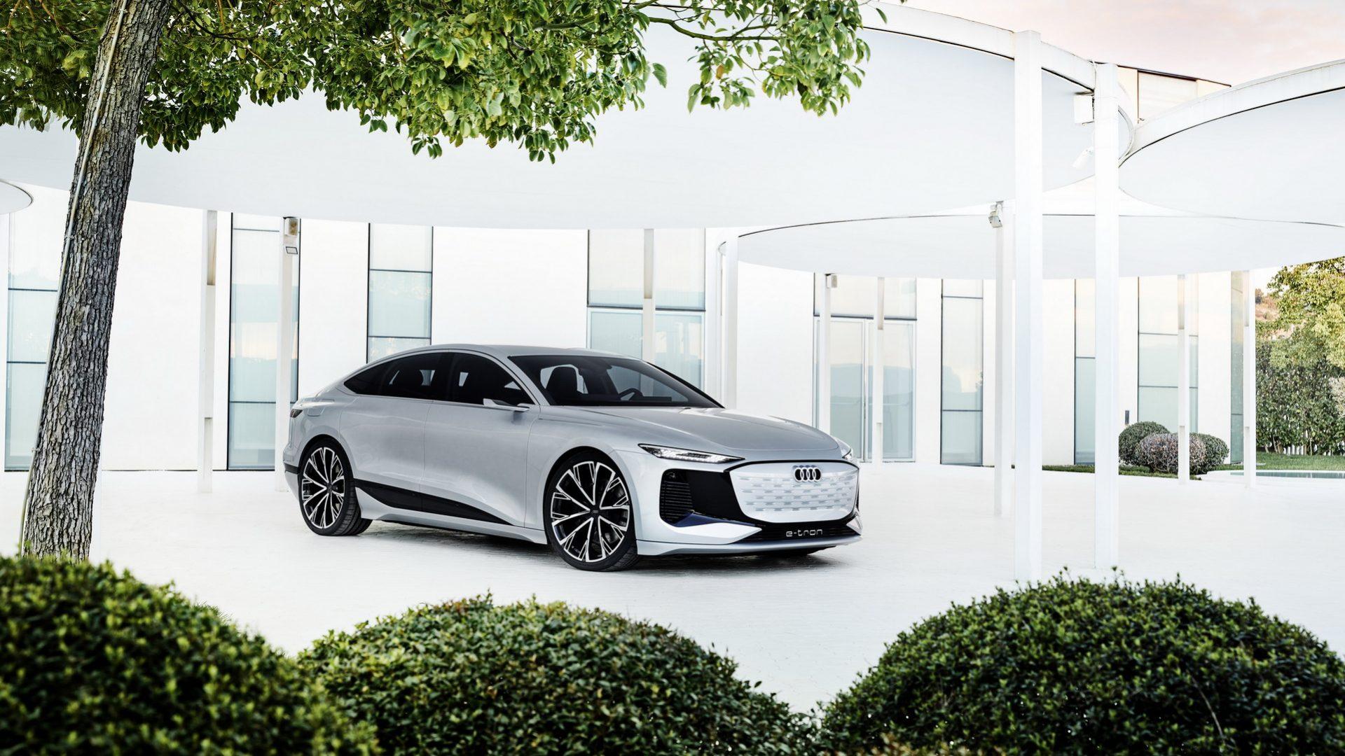 2021-Audi-A6-e-tron-Concept-37