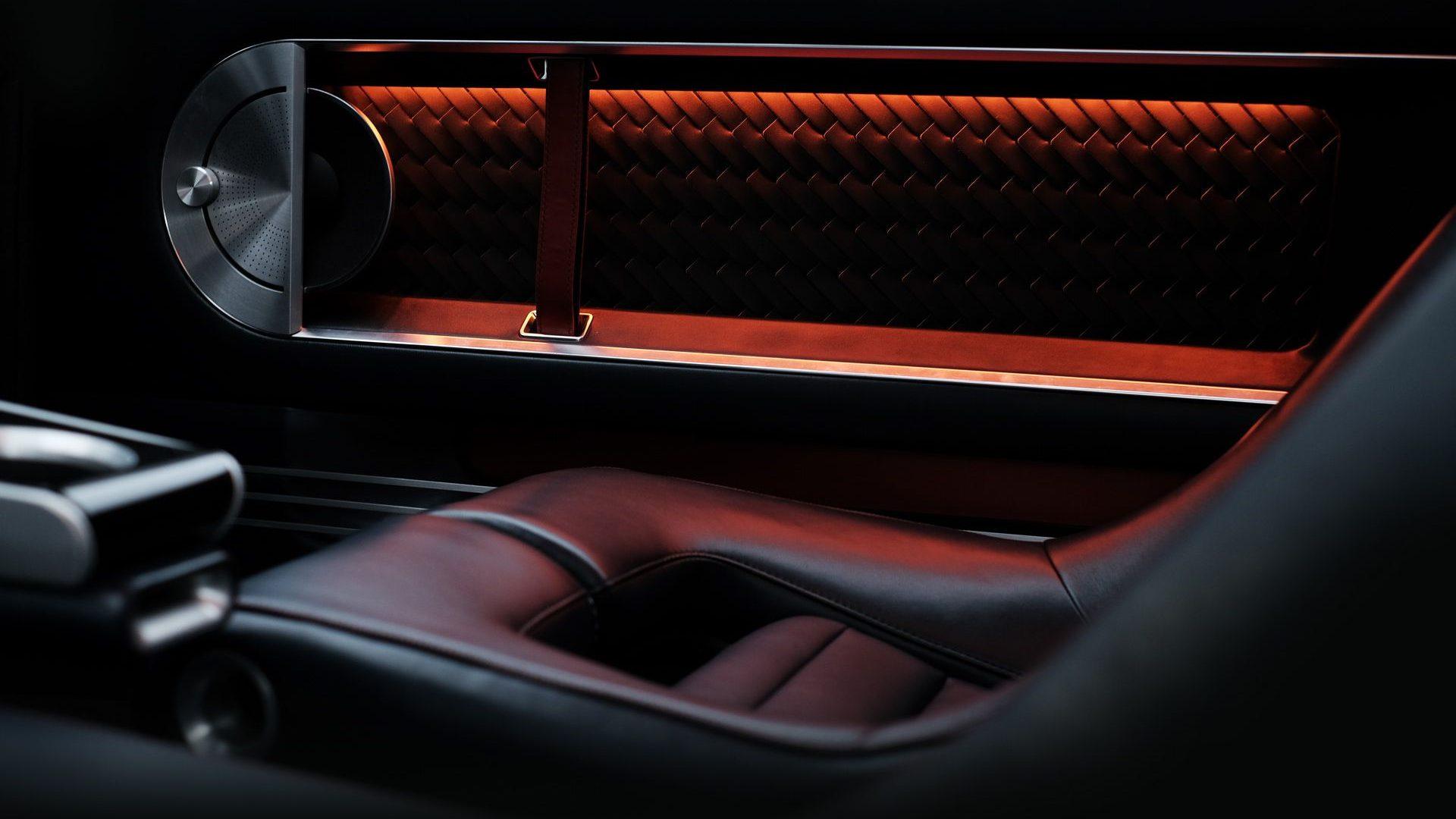 2021-Hyundai-Pony-EV-Show-Car-Interior-12