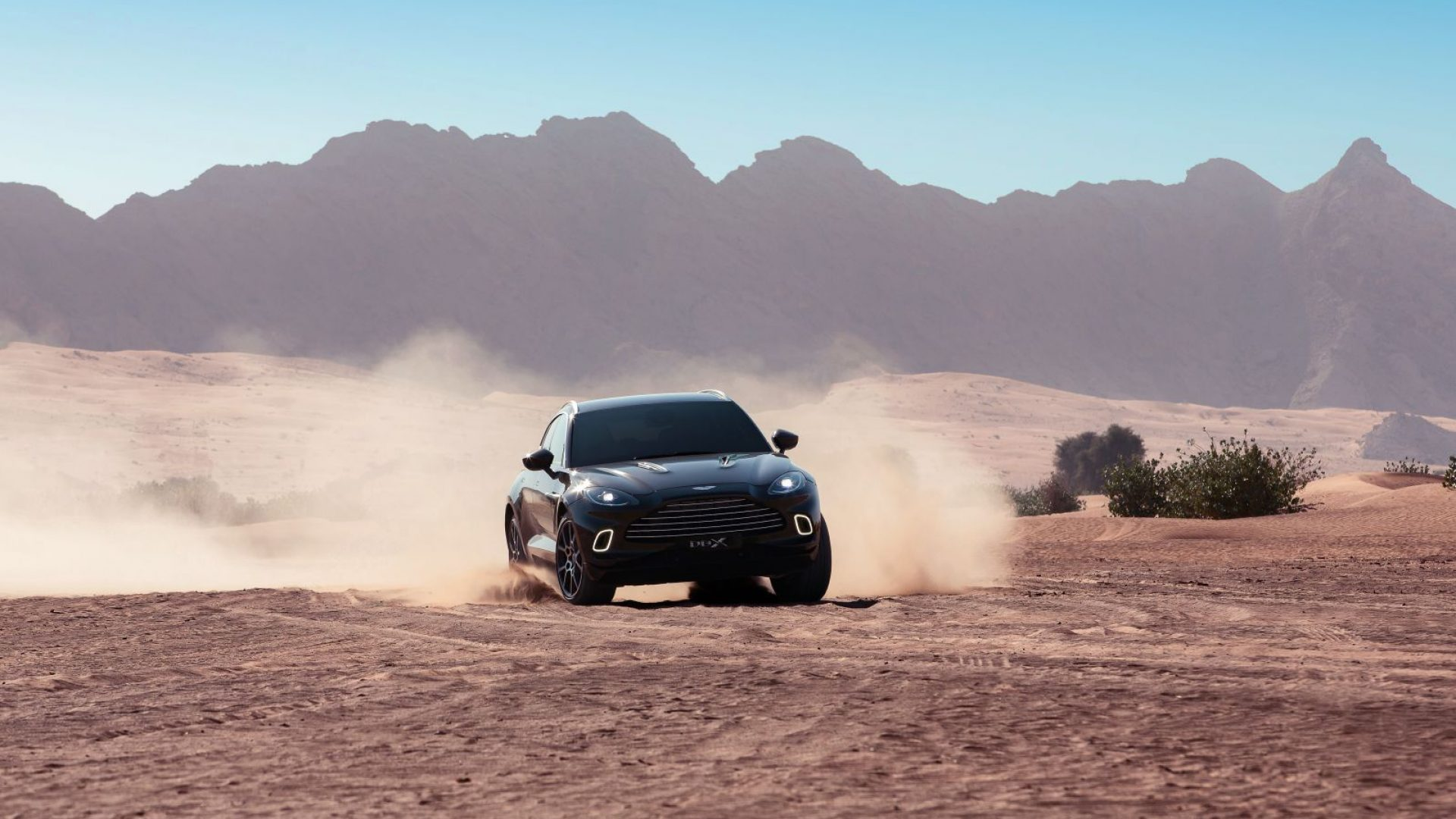 aston-martin-dbx-in-the-middle-east-23-jpg.