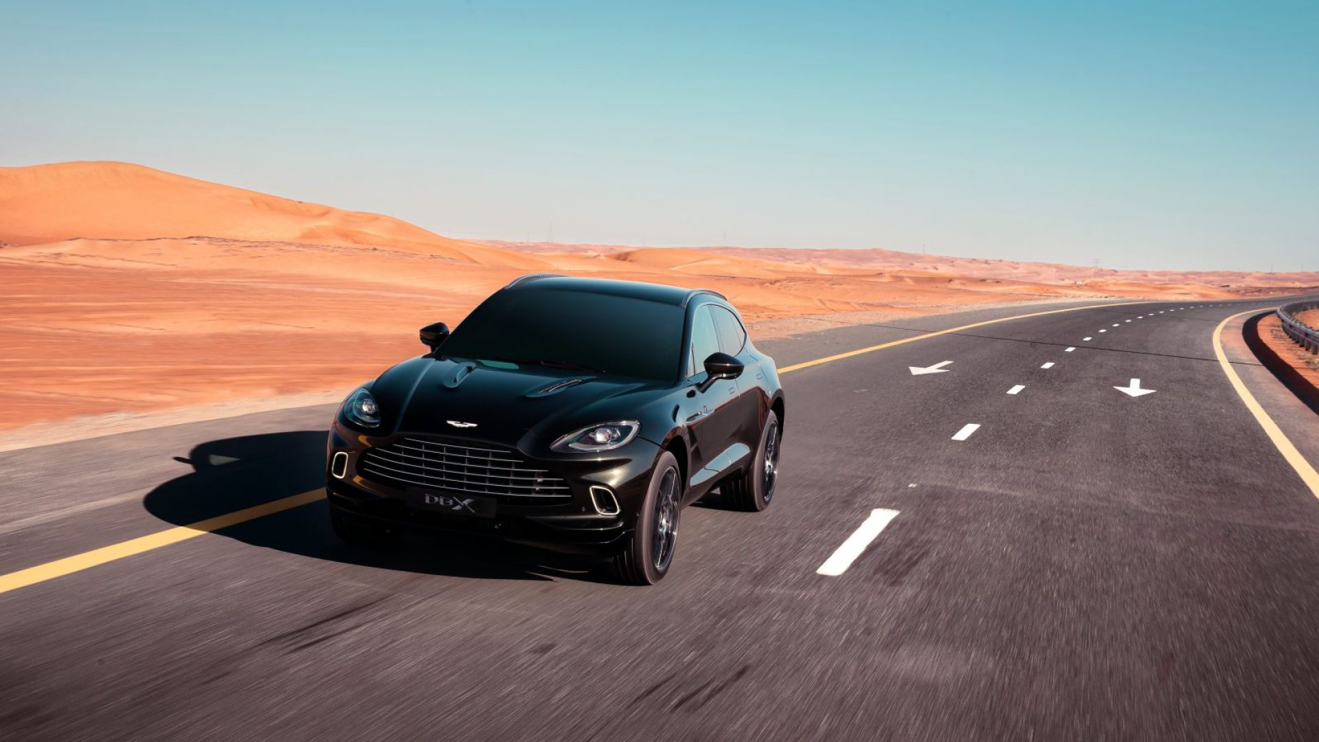 aston-martin-dbx-in-the-middle-east-24-jpg.
