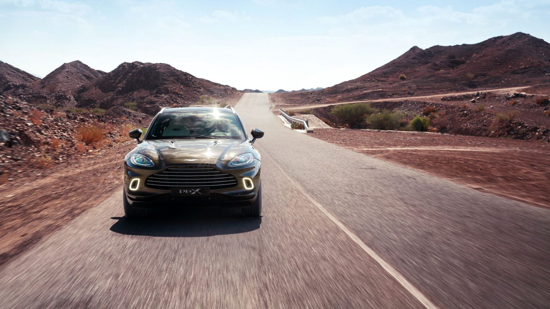 aston-martin-dbx-in-the-middle-east-26-jpg.
