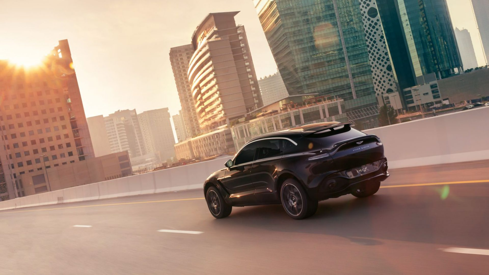 aston-martin-dbx-in-the-middle-east-5-jpg.