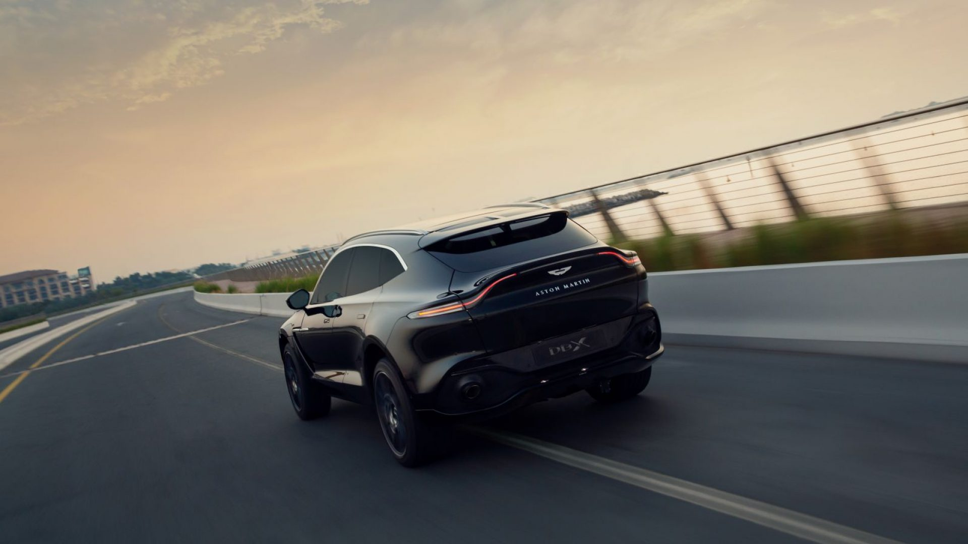 aston-martin-dbx-in-the-middle-east-6-jpg.